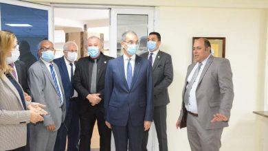 صورة وزير الإتصالات يزور المركز الاوليمبى